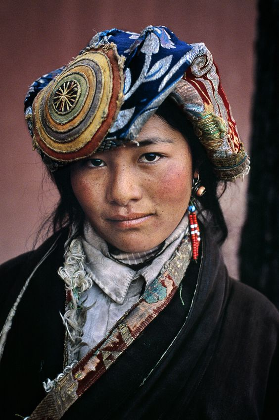 Young woman at the Potala Palace in Lhasa, Tibet, 1999  final print_milan